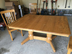 Solid Oak Dining Table and 6 Chairs Regina Regina Area image 1