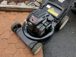 6.75hp Briggs and stratton lawn mower bagger