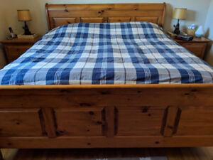 Solid King Size Bedroom Set