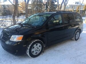 2008 Dodge Grand Caravan Minivan DVD, Back Up Cam, Low KMs