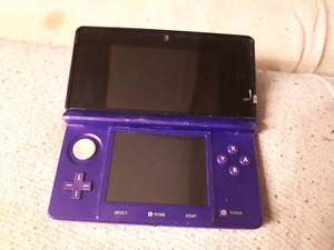Purple 3ds with barely used pokemon sun