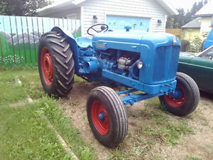 FORDSON MAJOR DIESEL 3 POINT HITCH TRACTOR