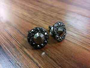 (Brand-new) Clip-on earrings