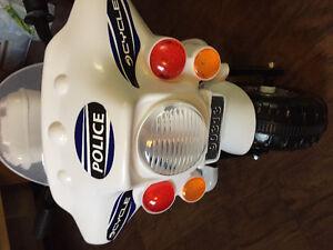 Brand new 6v police motorcycle
