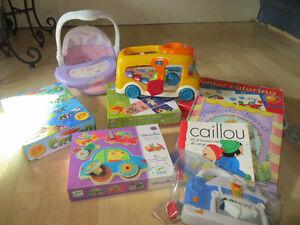 Lot de jouets/articles pour enfant 1 à 3 ans