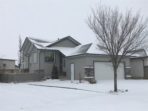 **Now Available**  Upper level duplex for rent