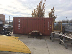 Shipping /storage container