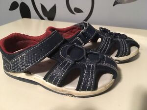 Wee Walkers Boy's Navy Velcro Sandals - Size 8 - Good condition!