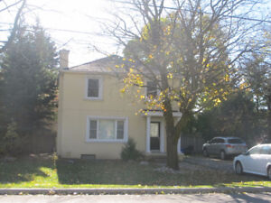3 Bedroom House with a Large Backyard in Prime Richmond Hill