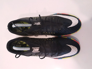 Nike indoor and turf cleat size 8.5 us
