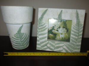 NEW Set of 2 ceramic vase and picture frame