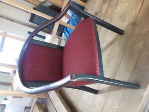 Chaise en bois franc  resto bar autres