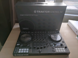 Traktor S4 MK3 (Barely used as new)