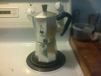 Bialetti Moka Express 9 cup stove top expresso maker