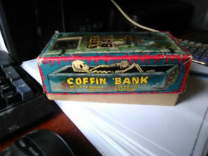 RARE MINT IN BOX JAPAN TIN WINDUP TOY COFFIN BANK