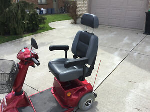 4 WHEEL MOBILITY SCOOTER LIKE NEW Kitchener / Waterloo Kitchener Area image 5
