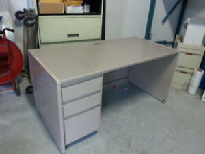 HEAVY DUTY METAL DESK - GOOD CONDITION!!!