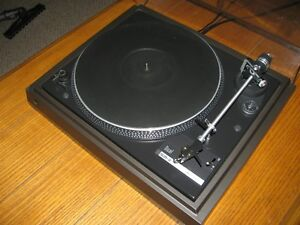 Excellent Dual 505-2 Turntable
