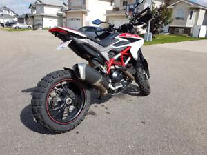PRICE DROP 2014 Ducati Hypermotard 821 SP