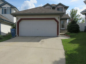 Somerset 2 story home, 3 min. walk to Somerset LRT station