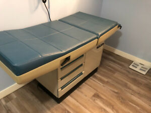 Medical bed in excellent condition for doctors office or clinic