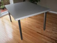 Table de grand format