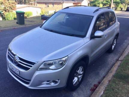 2010 Volkswagen Tiguan 4X4 motion--perfect car moving sale