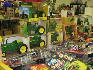 Feb. 19th Woodstock Toy And Collectibles Expo - Vendors buying