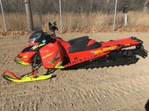 2016 Ski-Doo Summit X 174 with T3 Package Rotax 800R E-TEC Matte