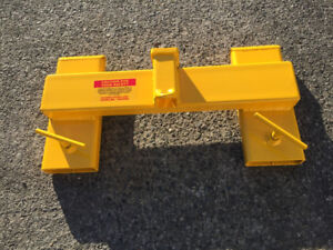 Forklift trailer mover