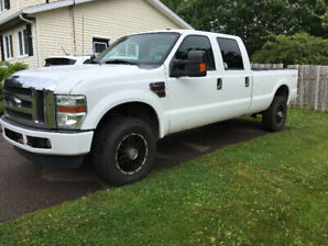 F350 DIESEL - Crew Cab, Long Box—LOW KM, No Rust