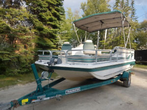 Hurricane Fun Deck Boat