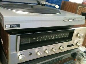 Vintage SANSUI Receiver.. With Speakers & Turntable
