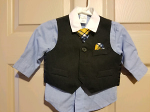 Boys suit size 3-6 months