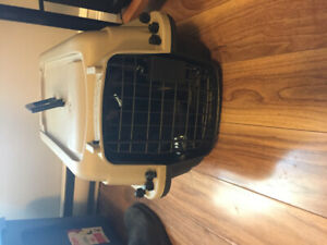 Pet Crate/Carrier
