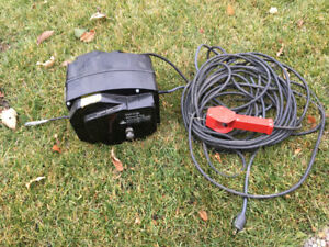 2000 pound 120 V AC Winch with remote