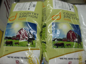 Country Junction Organic 17% Layer Pellets