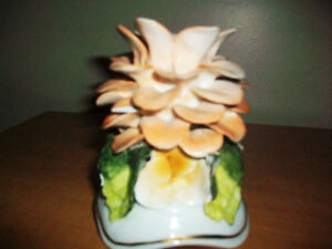 Fine Porcelain candle holder Cambridge Kitchener Area image 2