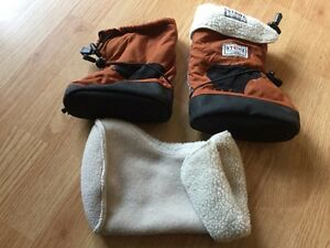 Size L Stonzwear booties and liners