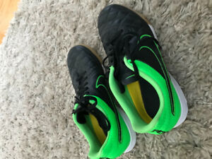 Indoor soccer shoes NIKE-6