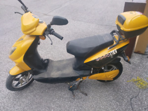 Emmo E-scooter for sale.