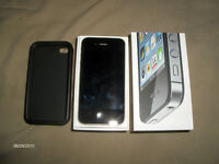 IPhone 4s -16GB Black new in box with Rogers/Chat-R