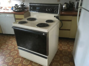 Hotpoint Oven/Range for sale - S. Nanaimo