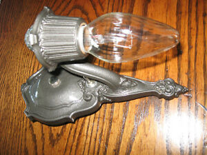 VINTAGE CIRCA 1920 CAST IRON WALL SCONCE LIGHT FIXTURE