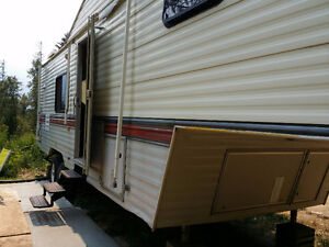 30' Terry 5th wheel with slideout
