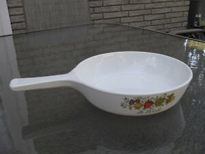 "Corning Ware Spice of Life ""Le Persil"" 6.5"" Skillet Pan  P-83-B"