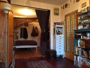 URGENT Beautiful Sunny Room perfect for an Artist or Couple!