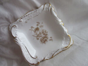 Hammersley Square decorated w gold thistles dish apprx 5""