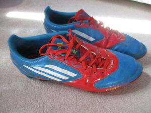Size 9 1/2 Adidas soccer cleats