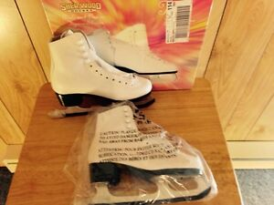 """ BRAND NEW ""  Girls and Ladies Figure Skates"